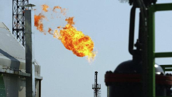 Нефтегазодобывающая структура, архивное фото