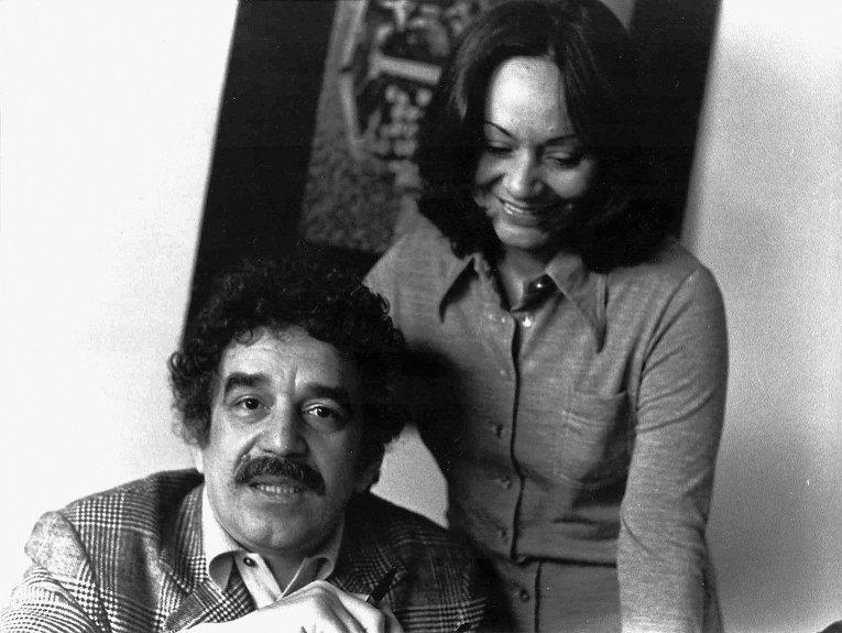 Колумбийский писатель Габриэль Гарсиа Маркес с женой Мерседес Барчей
