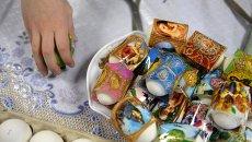 Роспись пасхальных яиц, архивное фото