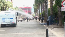 Полиция водометами разогнала протестующих из-за аварии на шахте в Турции