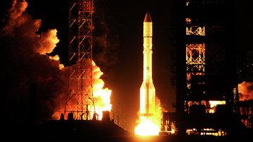 Запуск ракеты-носителя Протон с космическим аппаратом AsiaSat-7. Архивное фото