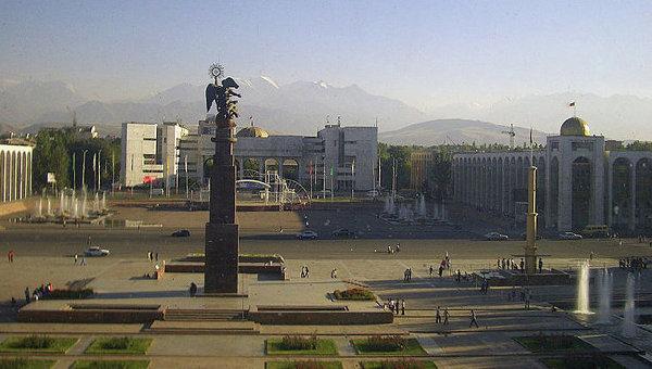 Вид на площадь Ала-Тоо в Бишкеке, архивное фото