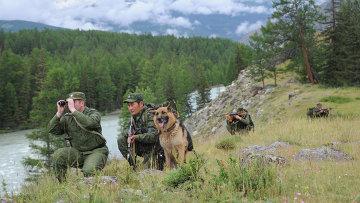 Российские пограничники на юге Западной Сибири. Архивное фото