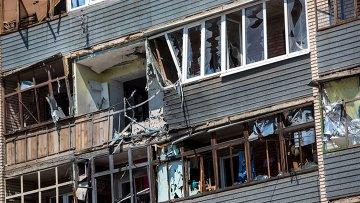 Дом, пострадавший в результате массированных артиллерийских ударов по Славянску. Архивное фото.
