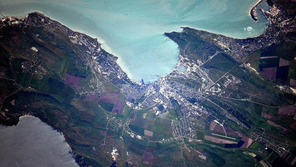 Крым из космоса. Керчь. Архивное фото