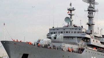 Российские экипажи Мистралей прибыли во французский Сен-Назер