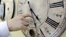 Магазин часов в Санкт-Петербурге. Архивное фото