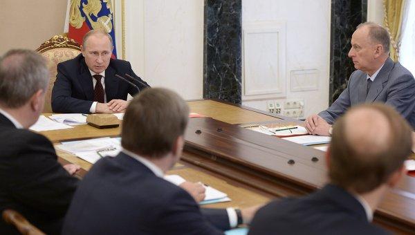 Владимир Путин на заседании Комиссии по ВТС. Архивное фото