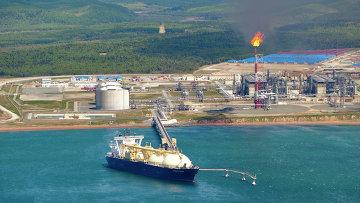 На территории первого в России завода по производству сжиженного газа (СПГ) на Сахалине. Архивное фото