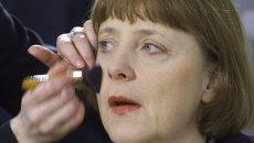 Ангела Меркель готовится к эфиру на телеканале ZDF в Берлине