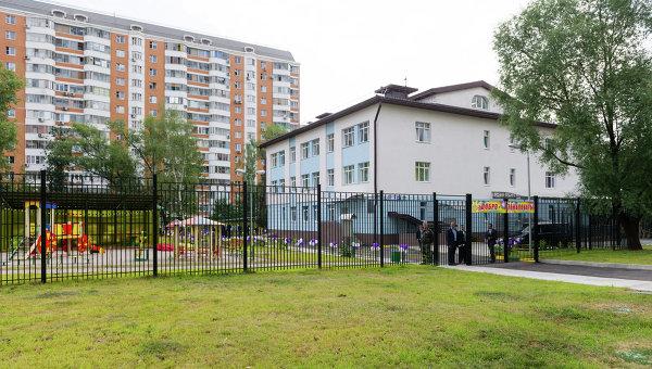 Посещение дошкольного отделения средней школы № 1474 (здание нового детского сада в районе Ховрино). Архивное фото