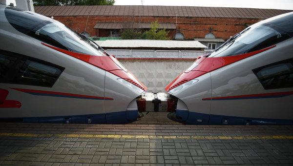 Сдвоенный состав высокоскоростного поезда. Архивное фото