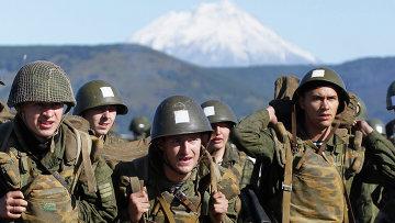 Морские пехотинцы на побережье полуострова Камчатка. Архивное фото