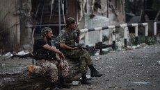 Ополченцы Луганской народной республики (ЛНР) на КПП Должанский