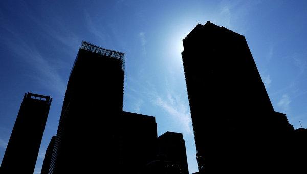 Вид на офисные здания в городе Токио, архивное фото