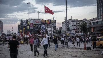 Столкновения протестующих и полиции в Турции. Архивное фото