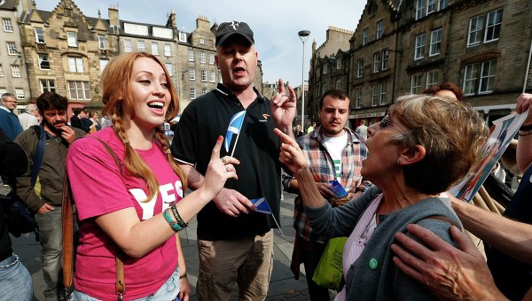 Спор сторонников и противников независимости Шотландии в Эдинбурге