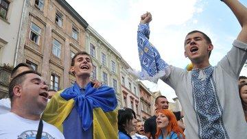 Украинская молодежь.Архивное фото.