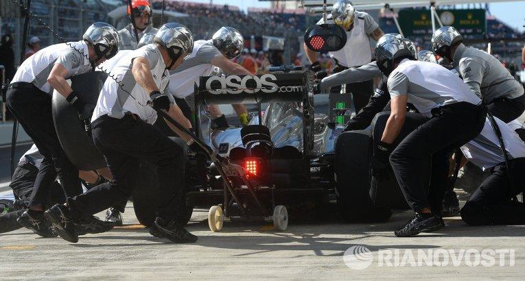 Пит-стоп на российском этапе гонок Формула-1 в Сочи