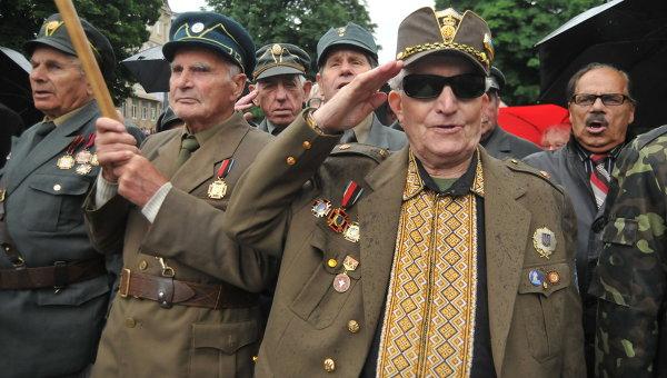 Ветераны Украинской повстанческой армии (УПА) в день праздника героев во Львове. Архивное фото.