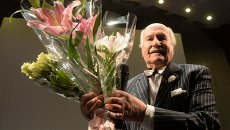 Народный артист СССР Владимир Зельдин на творческом вечере в Московском международном Доме музыки