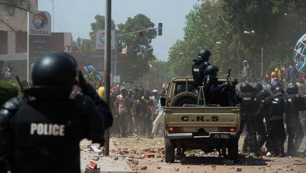Полиция на улицах столицы Буркина-Фасо города Уагадугу