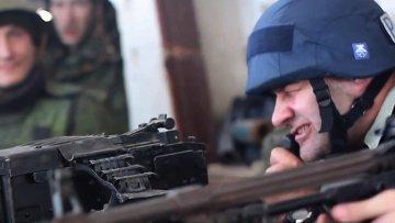 Актер Михаил Пореченков посетил позиции ополченцев в аэропорту Донецка. 31 октября 2014