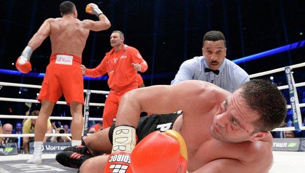 Бой между Владимиром Кличко и Курбатом Пулевым
