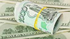 Рубли и доллары. Архивное фото