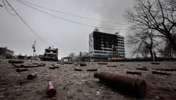 Площадь перед зданием Дома печати, где проходила спецоперация МВД Чеченской Республики
