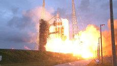 Кадры старта космического корабля Орион с космодрома мыса Канаверал