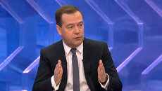 Медведев об ослаблении рубля, импортозамещении и санкциях против РФ