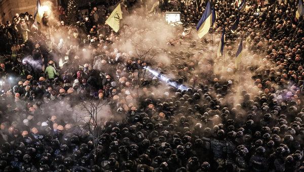 Штурм лагеря митингующих на Майдане. Архивное фото