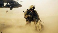 Американский солдат во время высадки в районе Джелалабада в Афганистане