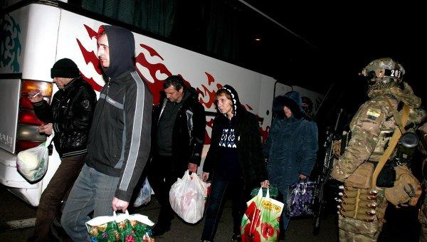 Военнопленные, вернувшиеся в Донецкую Народную Республику в результате обмена пленными между ополченцами ДНР и украинскими силовиками. Архивное фото