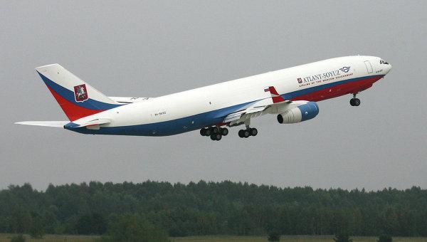 Самолет Ил-96-400. Архивное фото
