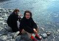 Джордж Харрисон и Джон Леннон на берегу реки в Ришикеше. Индия, 1968 год