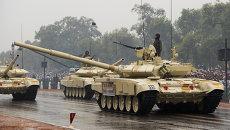 Танки Т-90 на параде в честь празднования Дня Республики в Индии