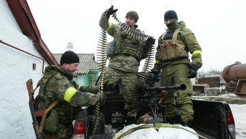Украинские военнослужащие на боевой позиции возле села Чермалык Мариупольской области. Архивное фото