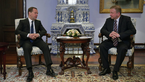 Премьер-министр РФ Дмитрий Медведев встретился с премьер-министром Белоруссии Андреем Кобяковым. 5 февраля 2015