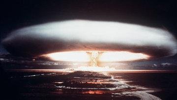 Испытания ядерного оружия на атолле Муророа. 1971. Архивное фото