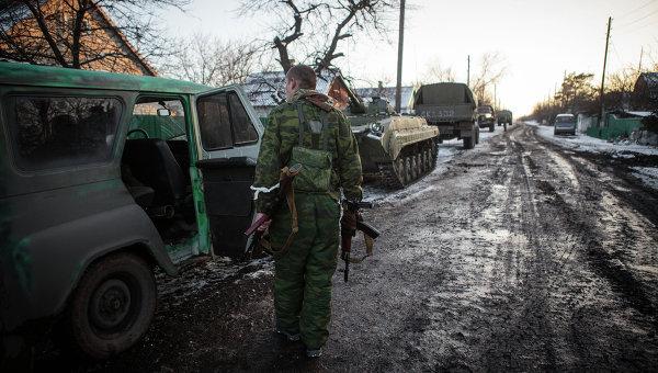 Ополченцы в поселке Малая Горловка в Донецкой области