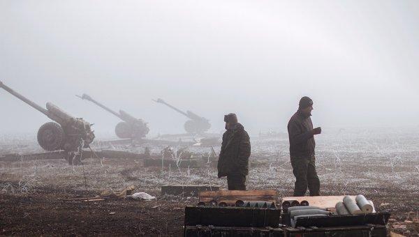Ополченцы ДНР в окрестностях Дебальцево Донецкой области. Архивное фото