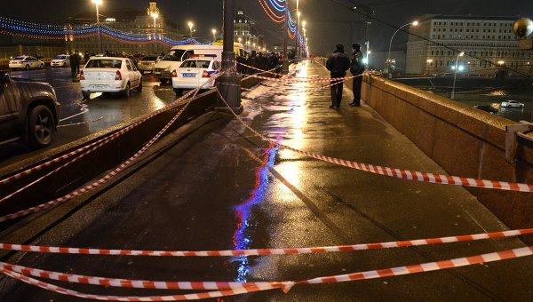 На месте убийства Бориса Немцова. Архивное фото