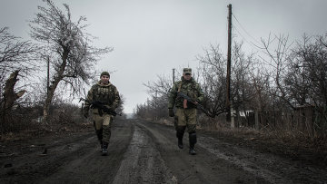 Ополченцы Луганской народной республики в поселке Чернухино