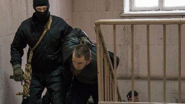 Один из подозреваемых в убийстве политика Бориса Немцова в Басманном суде города Москвы