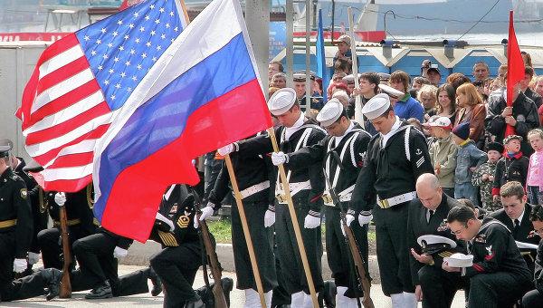 Флаги России и США. Архив