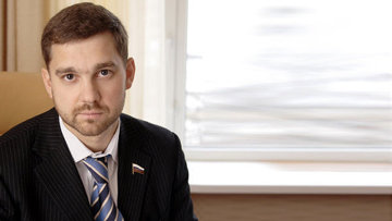 Зампред комитета Госдумы по обороне, член партии Единая Россия Игорь Баринов