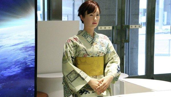 Робот-женщина, представленная в одном из токийских универмагов
