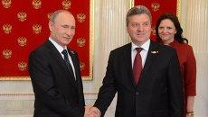 9 мая 2015. Президент Российской Федерации Владимир Путин (слева) и президент Республики Македония Георге Иванов. Архивное фото